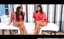 imagen Masaje erotico con dos chicas lesbianas